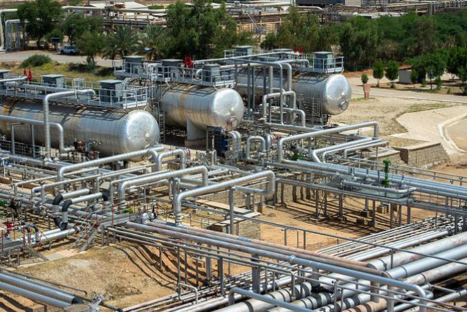 پروژه بررسی روش های جداسازی آب از نفت خام