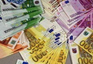 مقاله سود تحقق یافته و تغییرات در قیمت بازار دارائی های مالی