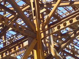 پاورپوینت اصول طراحی و اجراي ساختمان های فلزی